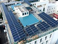 """פאנלים סולאריים בתל אביב. 46% מפוטנציאל ייצור החשמל מאנרגיה סולארית מצויים במרחב הבנוי / צילום: באדיבות עיריית ת""""א־יפו"""