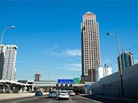 מגדל המגורים ליאונרדו סיטי טאואר, מתחם הבורסה, רמת גן / צילום: איל יצהר, גלובס