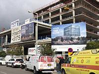 """אתר בנייה ברחוב משה דיין בו נהרג פועל הבניין בן ה-24 / צילום: מד""""א"""