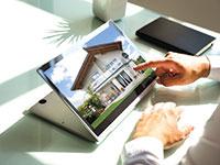 צפייה בנכס מרחוק. הטכנולוגיה הפכה להכרחית / צילום: shutterstock, שאטרסטוק