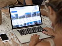 קניית נכסים באופן מקוון / צילום: shutterstock, צילום מסך מתוך אתר Roofstock