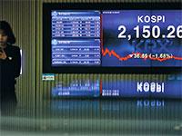 בורסת דרום קוריאה. רווחי החברות ב־KOSPI 200 בענפי המוליכים למחצה, הרכב, הזיקוק והכימיקלים, צפויים לעלות ב־2020 בכ־30% / צילום: Kim Hong-Ji, רויטרס
