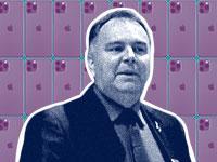 טוני בלווינס, סגן נשיא לרכש באפל / צילומים: יוטיוב, shutterstock, עיבוד: טלי בוגדנובסקי