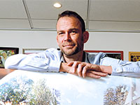 """דוד ליפשיץ, תסריטאי, כותב ראשי ב""""ארץ נהדרת""""  / צילום: איל יצהר, גלובס"""