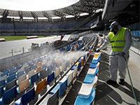 טיהור באצטדיון בנאפולי, איטליה, לפני המשחק בין הקבוצה המקומית לאינטר מילאנו  / צילום: Ciro De Luca, רויטרס