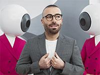 """עומר אדם בפרסומת לאופטיקנה / צילום: יח""""צ"""