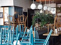 מסעדה סגורה בצהרי היום במרכז קניות בישראל בהתאם להוראות משרד הבריאות / צילום: Oded Balilty, Associated Press