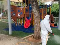 """פעולות סטרליזציה בגינות בגבעתיים / צילום: עיריית גבעתיים, יח""""צ"""