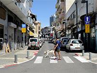 עסקים סגורים בדרום תל אביב בצל ההנחיות החדשות של הממשלה בצל הקורונה / צילום: איל יצהר, גלובס