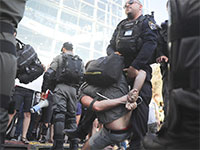 מעצר בעת הפגנה בישראל / צילום: Associated Press