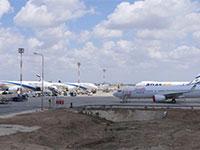 """מטוסים חונים בנתב""""ג / צילום: יואב יערי"""