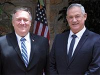 בני גנץ (מימין) ומייק פומפיאו, השבוע בירושלים. בא לדבר על סין ולא על סיפוח / צילום: Sebastian Scheiner, Associated Press