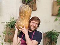 """ענר בן רפאל, הבעלים המשותף של מסעדת """"איגרא רמא"""" בתל אביב / צילום: תמונה פרטית"""