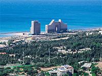"""בית העלמין """"שדה יהושע"""" בחיפה, שנבנה על חלק מהקרקע שהופקעה. פיצוי לאחר 58 שנה  / צילום: shutterstock, שאטרסטוק"""