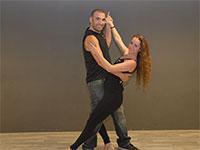 """גילי וארז שמילוביץ', מועדון הריקודים """"רוטב סלסה"""" בכפר סבא  / צילום: תמונה פרטית"""