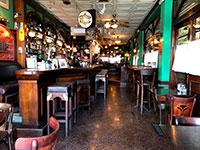 בר ריק בטבריה. הקורונה פגעה קשה בתחום המסעדנות / צילום: טל שניידר, גלובס