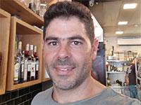 """נועם אמסלם, הבעלים של מסעדת החומוס """"יאנס"""" בתל אביב / צילום: תמונה פרטית"""