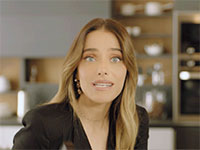 """רותם סלע בפרסומת של טורנדו / צילום: יח""""צ"""