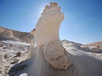 הסלעים המסתוריים של העיר הנבטית שבטה / צילום: יותם יעקבסון