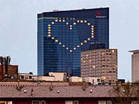 מלון מריוט בשיקגו. החברה עצרה את תשלומי הדיבידנדים  / צילום: Patrick Gorski, רויטרס