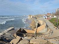 קריסת מצוק בחוף הצוק בתל אביב. התוכניות לא בוצעו / צילום: איל יצהר, גלובס
