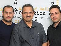 רוני אלשייך והמייסדים איתי לוי (מימין) ויוסי כהן ארזי (משמאל) / צילום: אסנת קרסנסקי