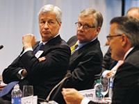 """ג'יימי דיימון, מנכ""""ל ג'יי פי מורגן, במפגש """"שולחן עגול"""" של מנהלי עסקים בוושינגטון / צילום: Larry Downing, רויטרס"""