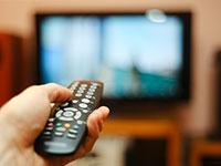 צפייה בטלויזיה / צילום: shutterstock, שאטרסטוק