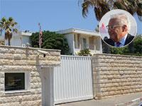 """בית השגריר בהרצליה פיתוח. בעיגול: השגריר דיוויד פרידמן / צילום: איל יצהר, קובי גדעון, לע""""מ"""