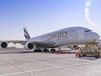 מטוס Emirates של איחוד האמירויות. הנוסעים הישראלים ייחשפו למוצרי תעופה מהטובים בעולם / צילום: shutterstock, שאטרסטוק