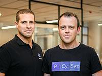 "מימין: אריק ליברזון, מייסד שותף ו-CTO, ואמיתי רצון, מנכ""ל פסייסיס / צילום: דורון לצטר"