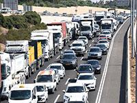 רכבים על הכביש / צילום: ראובן קסטרו, וואלה !NEWS