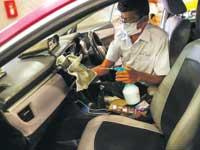 נהג מונית בתאילנד מתגונן מפני הקורונה /  צילום: רויטרס,?Soe Zeya Tun