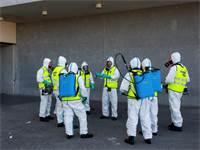 פעולות חיטוי בבית חולים במדריד, ספרד / צילום: Bernat Armangue, AP