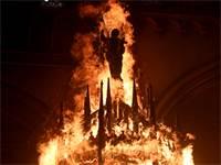 כנסיית סאן פרנסיסקו בורחה בוערת בסנטיאגו, בירת צ'ילה / צילום: Esteban Felix, Associated Press