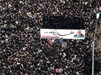 המונים נמחצים בהלוויית סולימאני / צילום: רויטרס
