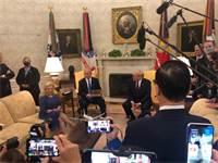 """נשיא ארה""""ב דונלר טראמפ, ראש הממשלה בנימין נתניהו ורעייתו שרה נתניהו בבית הלבן בחתימת ההסכם ההיסטורי / צילום: לשכת ראש הממשלה"""