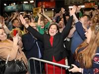 """מארי לו מקדונלנד, מנהיגת מפלגת """"שין פיין"""" באירלנד / צילום: AP"""
