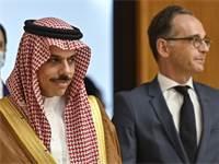שר החוץ הסעודי, פייסל בן פרחאן, עם שר החוץ הגרמני, הייקו מאס / צילום: John MacDougall, AP