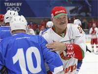 נשיא בלרוס במשחק הוקי / צילום: אנדריי פוקומייקו, AP