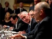 """מנכ""""ל גילאד דניאל אודיי בפגישה את ממשל ארה""""ב בנושא נגיף הקורונה / צילום: Andrew Harnik, AP"""