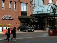 מלון מריוט לונג וורף בבוסטון. במלון נערך הכנס של ביוג'ן שהביא להדבקה המונית בקורונה / צילום: Steven Senne, AP