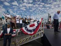סנדרס באירוע בחירות בתיכון בקליפורניה / צילום:AP Damian Dovarganes