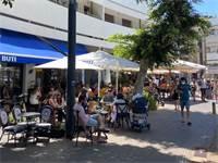 סועדים יושבים במסעדות בתל אביב  / צילום: בר לביא, גלובס