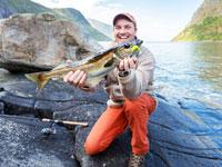 דיג בפיורד בנורבגיה / צילום: Shutterstock | א.ס.א.פ קריאייטיב