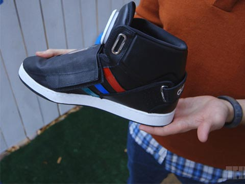 "נעלי גוגל / צילום: יח""צ"