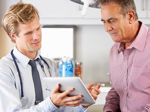 רופא וחולה, טכנולוגיה ברפואה / צילום: shutterstock