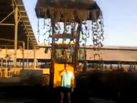 אתגר החרא, תושב עוטף עזה במחאה נגד ביבי / צילום: מתוך הוידאו