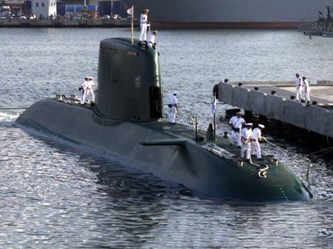 """צוללת דולפין גרמניה צה""""ל חיל הים / צילום:  ibtimes"""