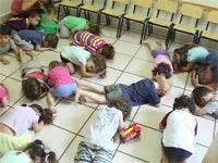 ילדים בגן נישכבים בזמן אזעקה / צילום : מלוך הוידאו גן גורים
